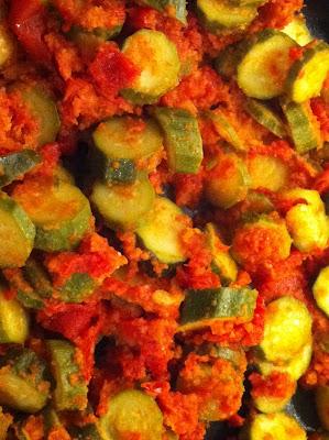 Zucchine con spaccatelle di pomodoro di eat's