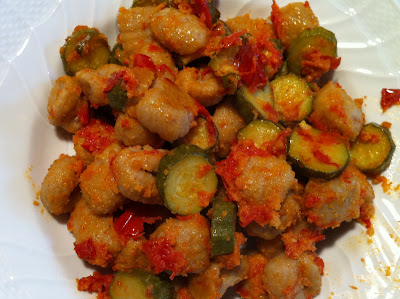 Gnocchi di castagne con zucchine al pomodoro