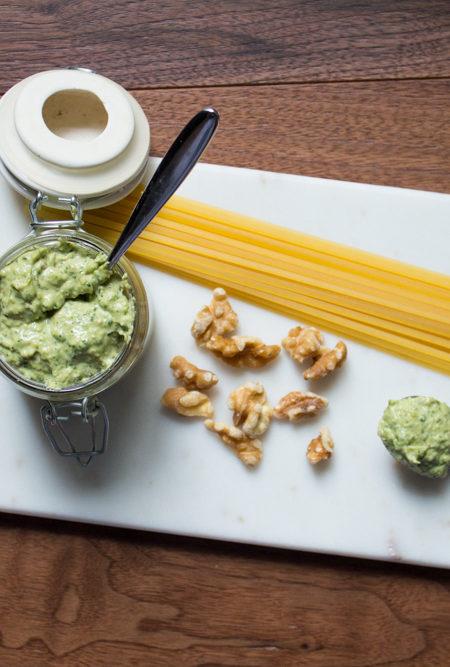 Pesto di okra ricetta