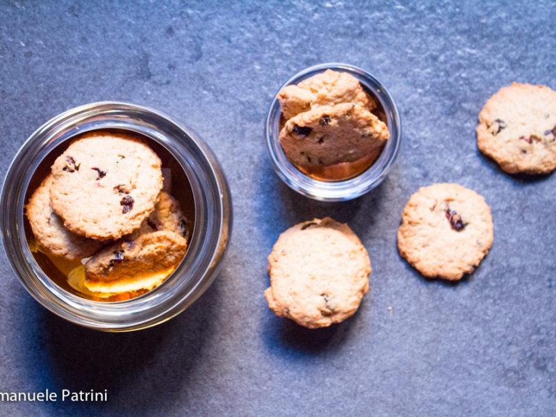 Cookies cocco e mirtilli rossi ricetta