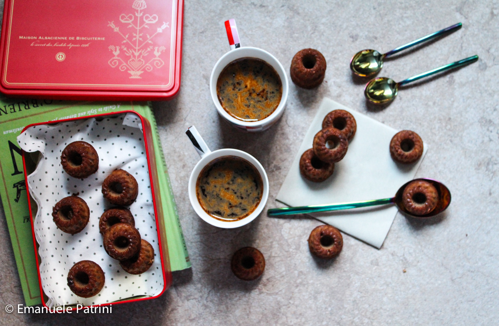 Mini gugelhupf caffè e nocciole ricetta