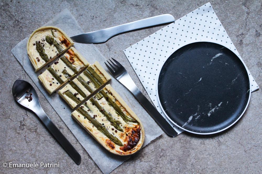 Torta salata salmone e asparagi ricetta