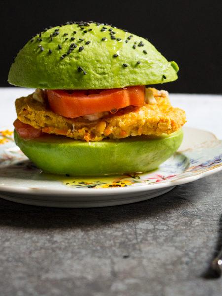Avocado burger ricetta